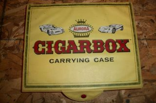 1968 Aurora CigarBox 15 car carrying case