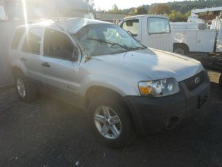 05 FORD ESCAPE SPARE TIRE CARRIER