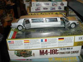 lincoln town car in Toys & Hobbies