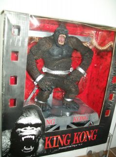 MCFARLANE KING KONG COLLECTIBLE ACTION FIGURE WITH ACCESSORIES NEW