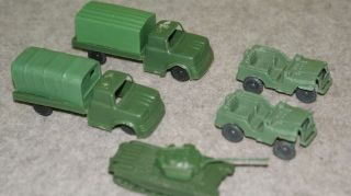 PLASTIC TOY ARMY TRUCKS TANK JEEPS SMALL TRUCK ONLY 3 1/4 LONG ARMY