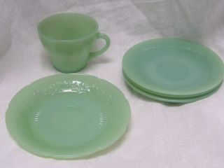 FIVE PIECES OF VINTAGE FIRE KING JADITE JADEITE GLASS CUP & SAUCERS