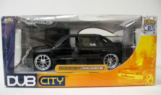 2001 Chevrolet Avalanche Diecast Model Car Jada Dub City 1 24 Scale