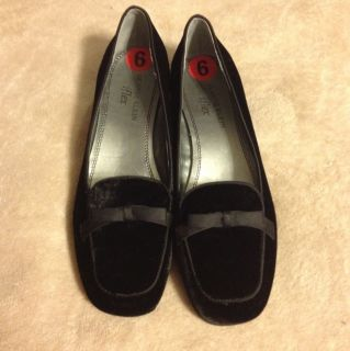 New Womens Black Anne Klein iFlex Shoes Loafers Flats Size 6