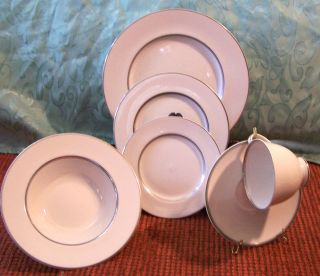 ROYAL DOULTON ARGENTA FINE CHINA 6 PIECE PLACE SETTING TC1002