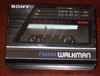 Walkman WM F77 Auto Reverse AM FM Cassette Player Radio collectable