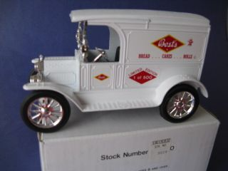 ERTL   BOSTS BAKERY   1917 FORD MODEL T DELIVERY BANK