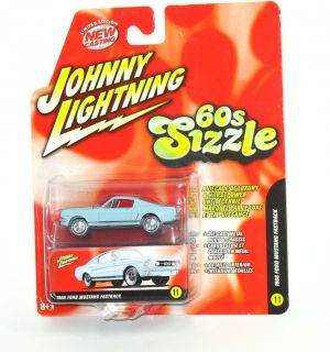 Johnny Lightning 60s Sizzle 1966 Ford Mustang Fastback Lt Blue MOC