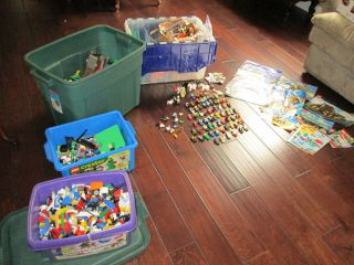 Big Lego Lot 50 lbs Tons of Star Wars 100 Minfigs Some Complete Sets
