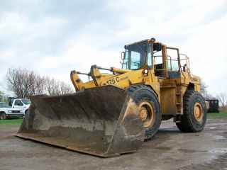 Clark Michigan wheel loader L 10 Cummins diesel 16 foot 5 inch wide