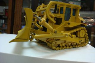 CATERPILLAR D8N Bulldozer with ROPS and Winch Custom NZG Conrad 1 50