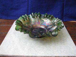VINTAGE RARE FENTON GRAPE & LEAVES GREEN CARNIVAL GLASS BOWL
