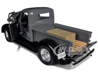 Truck Gray 1 32 Diecast Model Car by Signature Models 32392
