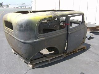 1932 FORD 2 DOOR SEDAN BODY CHOPPED DEUCE HOT ROD RAT ROD STREET ROD