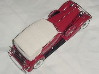 This auction is for one Franklin Mint 124 scale collectable model