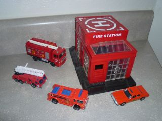 VINTAGE HOT WHEELS TOY CAR FIRE ENGINE 1976 TRUCK STATION LOT MATCHBOX