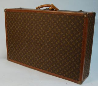 Louis Vuitton Monogram 31 5 x 20 5 x 7 Vintage Hard Sided Suitcase