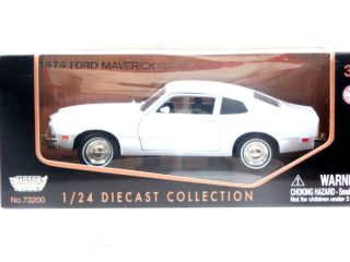Motormax 1974 Ford Maverick White 1 24 Diecast Car