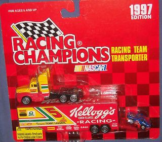 RACING CHAMPIONS 187 NASCAR TEAM Transporter w/ MINI STOCK CAR