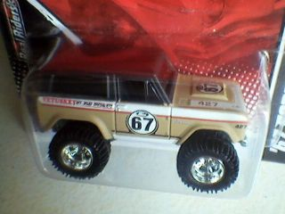 Hot Wheels Garage 67 Ford Bronco Case J