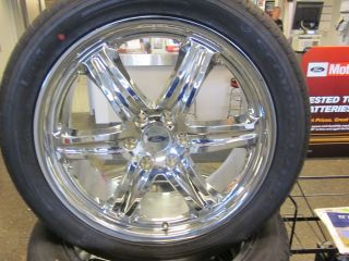 Ford F150 Chrome Wheels and Tires 275 45 R22